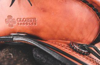 Saddle & Logo